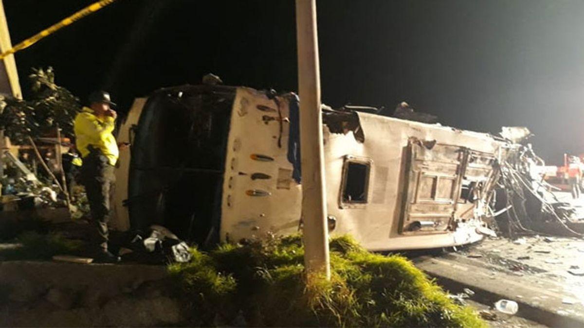 Un accidente de autobús en Ecuador deja al menos 23 muertos