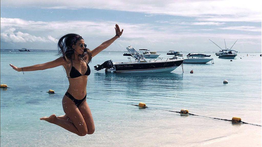 Lydia Torrent celebra 24 cumpleaños en la playa junto a su novio  Matías Roure