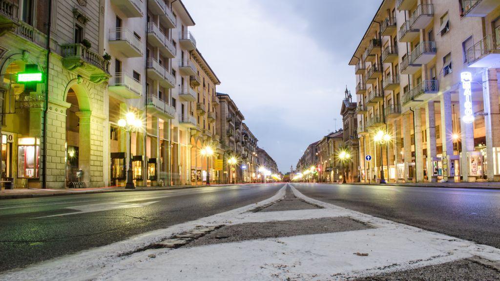 Calles, parques y carreteras vacías: las ciudades cierran por vacaciones