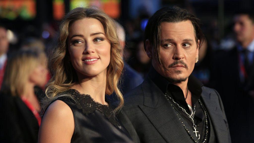 Johnny Depp acusa a Amber Heard de defecar en la cama cuando estaban juntos y ella responde