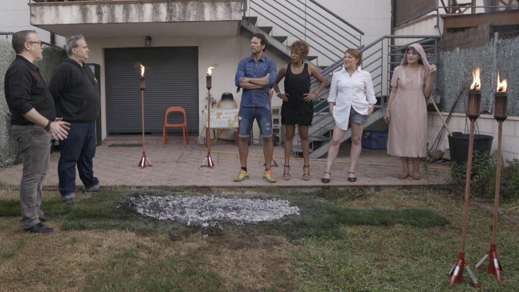 Sor Hammond (a la derecha de la imagen), junto al resto de anfitriones de 'Ven a cenar conmigo', a partir del lunes 20 de agosto (20.30) en Cuatro.