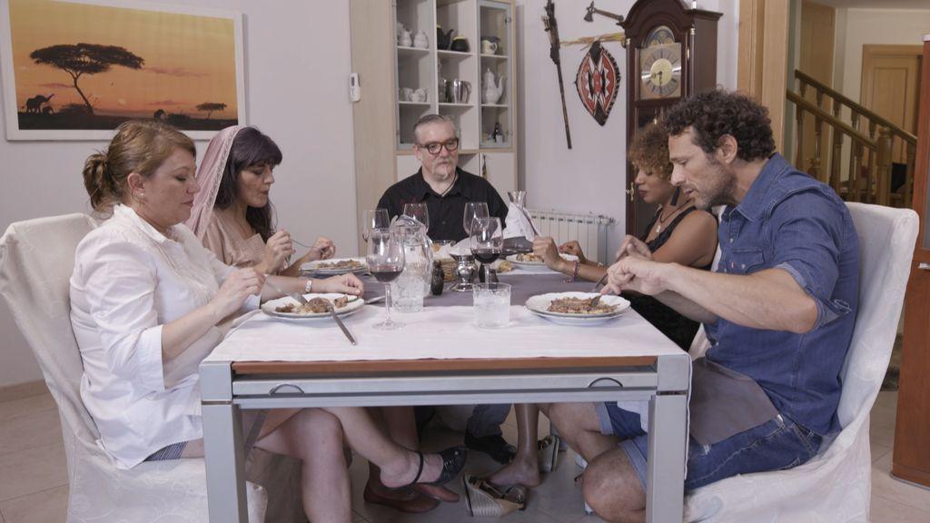 Concursantes de 'Ven a cenar conmigo', en el programa que Cuatro emite el martes 21 de agosto.