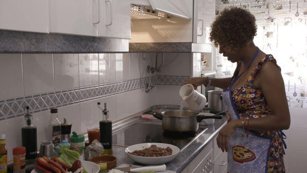 Anfitriona de 'Ven a cenar conmigo', en el programa que Cuatro emite el miércoles 22 de agosto.