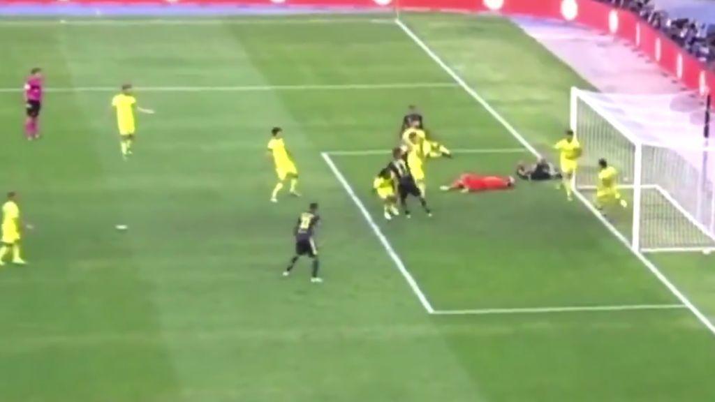 El brutal choque de Cristiano con el portero del Chievo que encendió todas las alarmas en la Serie A