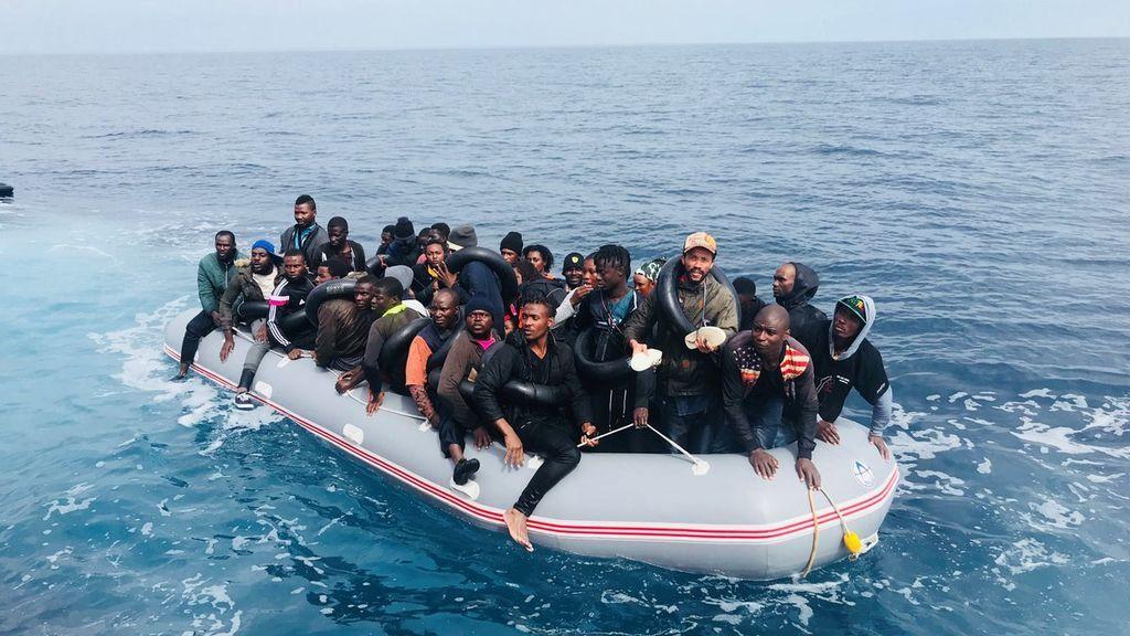 Los franceses, cada vez más dispuestos a acoger a migrantes del Mediterráneo