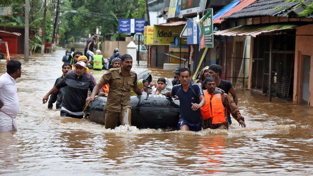 Aumentan a 187 los muertos por las peores inundaciones en casi un siglo en el estado indio de Kerala