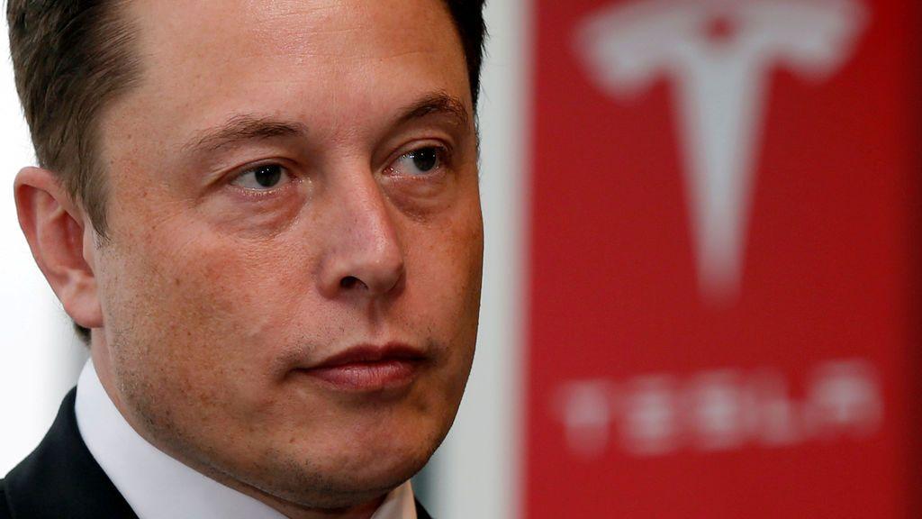 Preocupa la salud de Elon Musk al reconocer su agotamiento físico en el trabajo