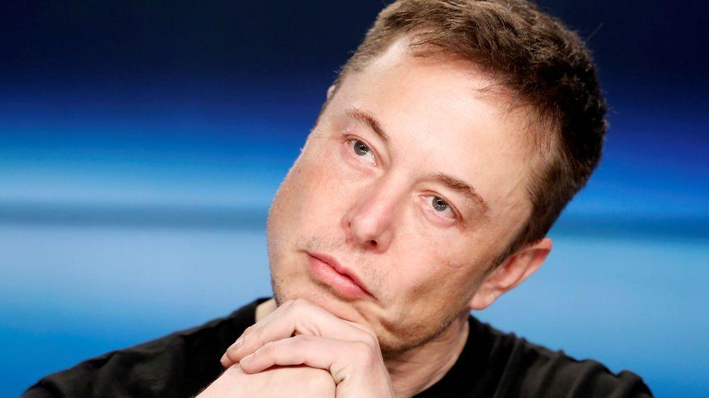 La salud del presidente de Tesla se resiente por el exceso de trabajo