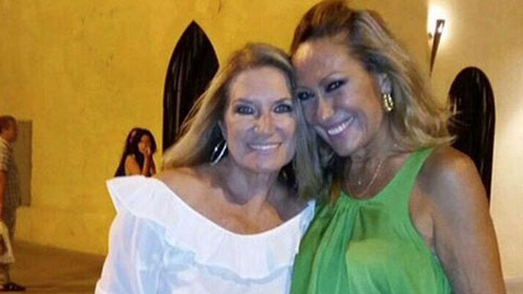 Rosa Benito felicita a Gloria Mohedano por su cumple con ¿pullita incluida para Amador?