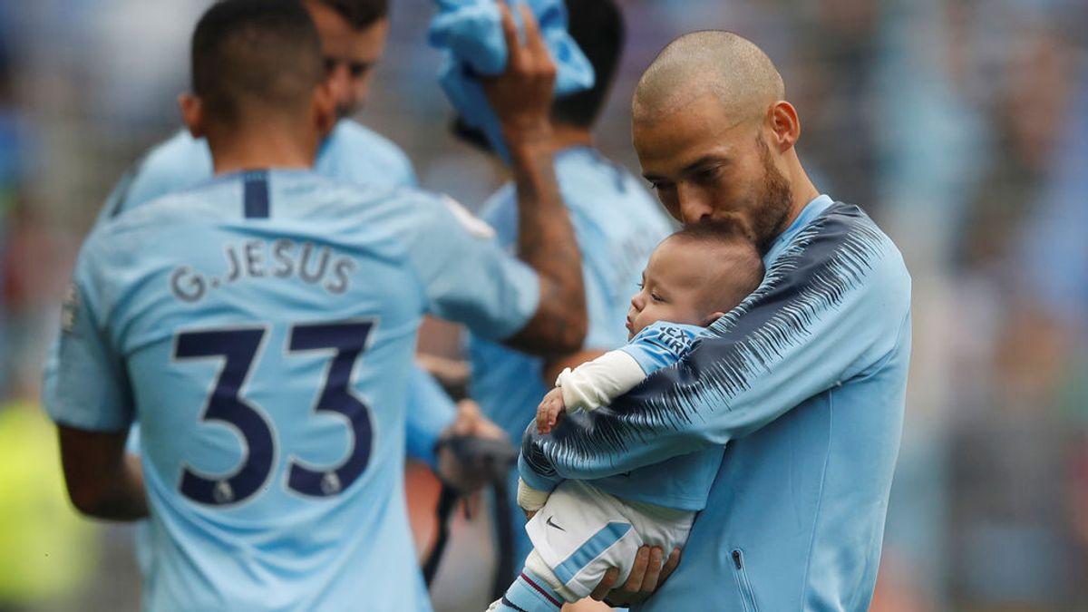 Silva muestra a su pequeño Mateo y el Manchester City tiene un precioso detalle con ellos