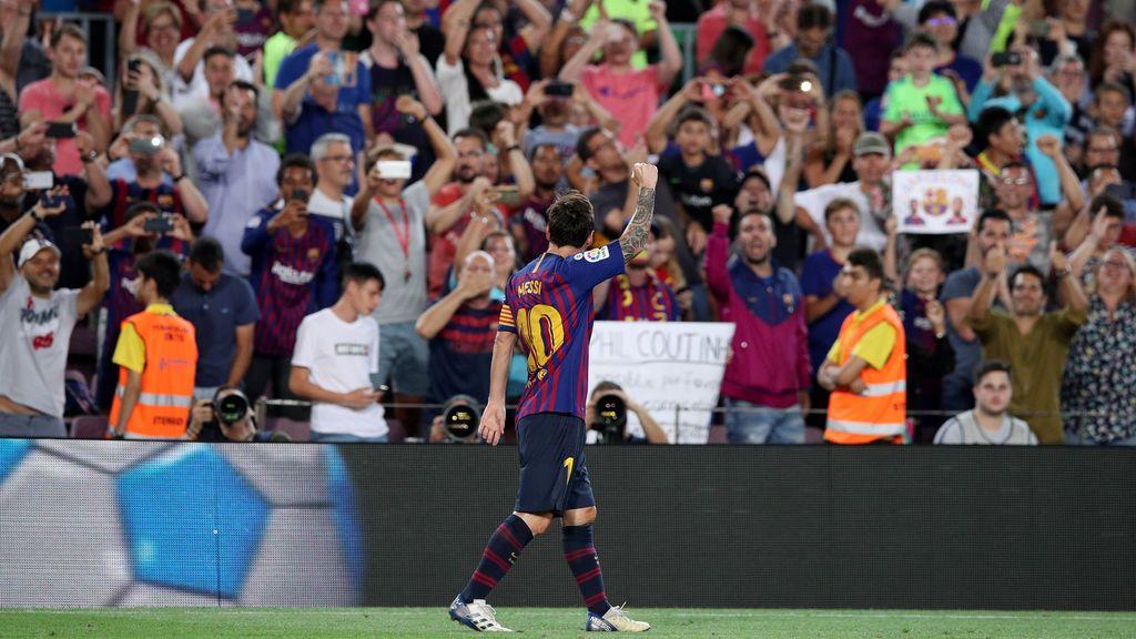 """La imagen de Leo Messi celebrando el gol que causa debate en las redes: """"Todos con el móvil y sólo dos celebrando"""""""