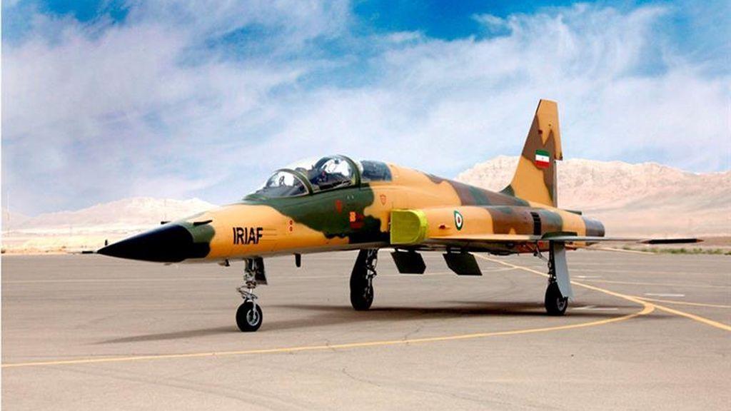 Primer avión de combate iraní