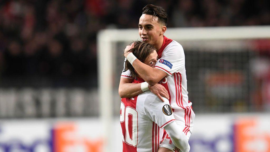 Abdelhak  Nouri, jugador del Ajax, se despierta tras trece meses en coma y empieza a comunicarse con su familia