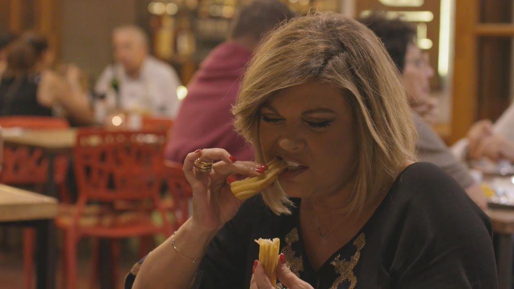 """¡La porra persigue a Terelu! Carmen: """"Si veo un churro, ¿cómo no se lo voy a comprar a mi hermana?"""""""