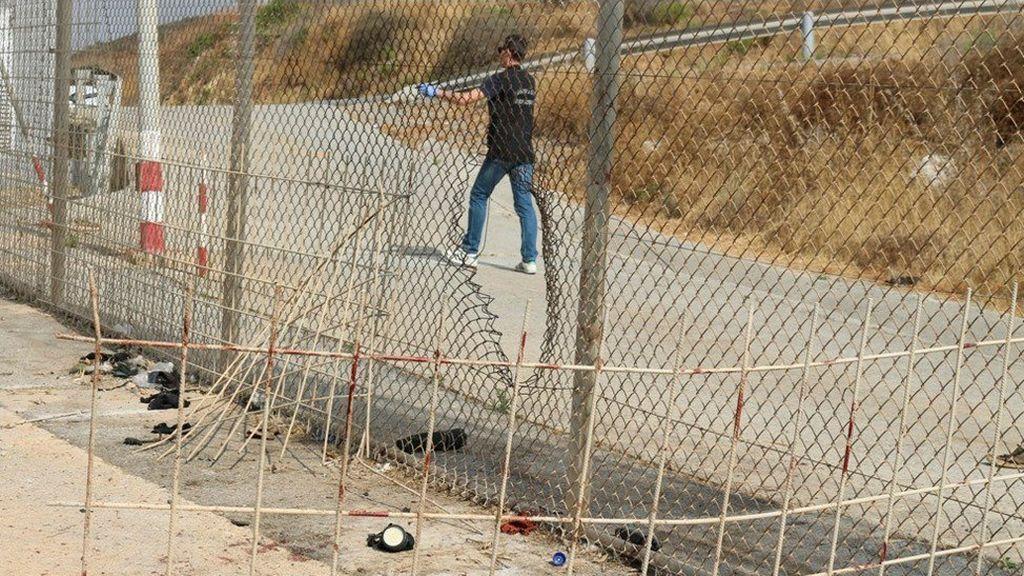El Gobierno expulsa a Marruecos a los 116 migrantes que saltaron la valla de Ceuta