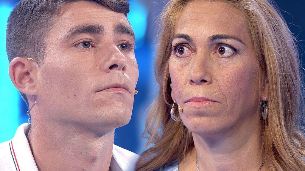 """Madre e hijo, bloqueados al verse por primera vez: """"Pídeme perdón, deberías haberme buscado"""""""