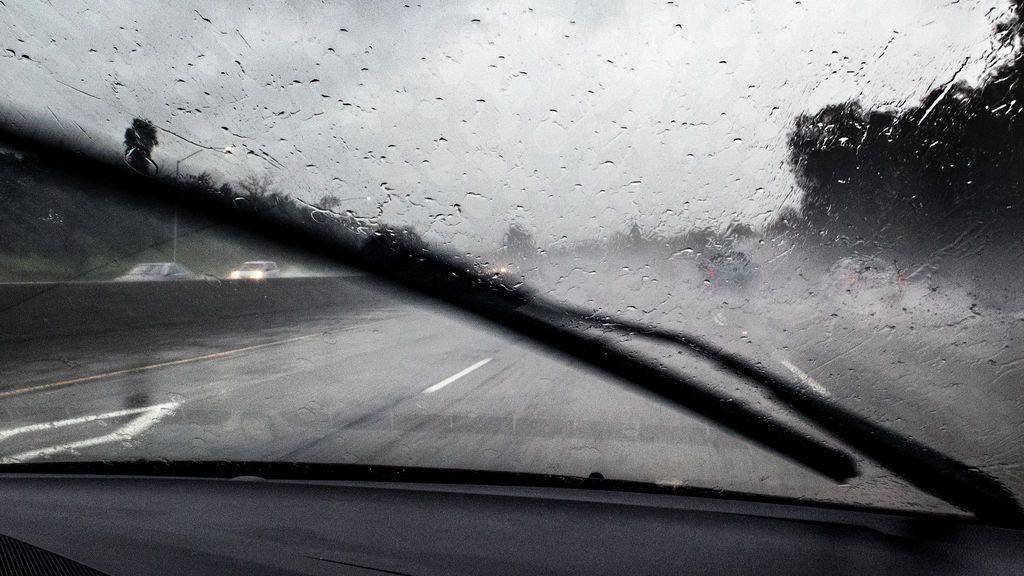 Cielos rotos: tormentas, granizo y riadas en las calles de media España