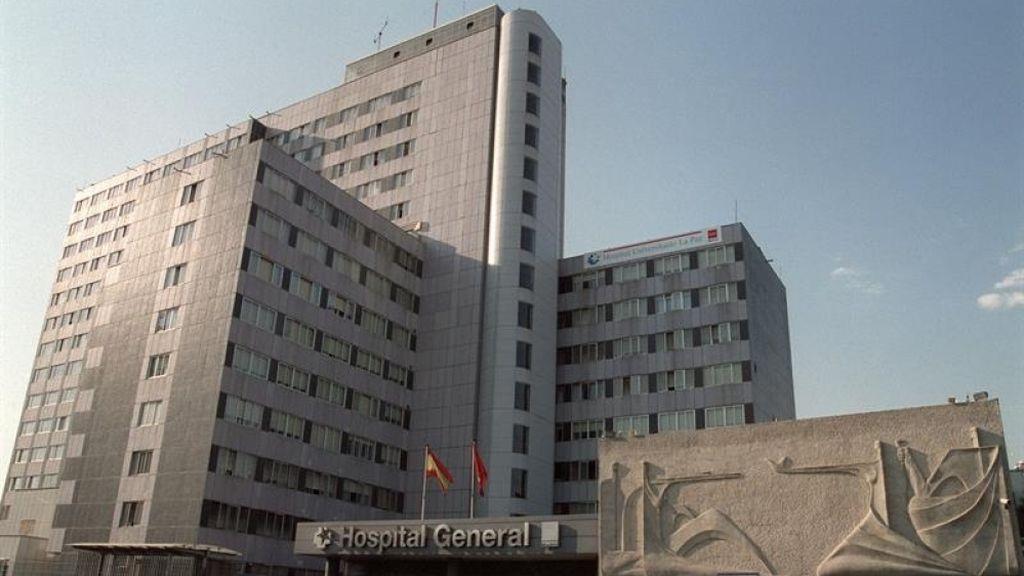 Ingresa en el hospital de La Paz una menor tras ser mordida en un ojo por un perro