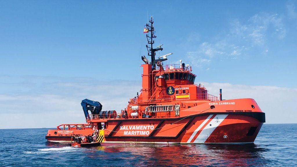 Rescatados 84 inmigrantes en aguas del Estrecho en cuatro pateras
