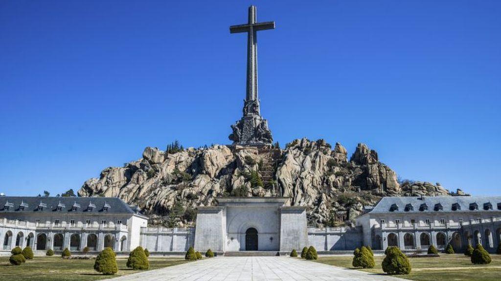 La familia Franco se opone y advierte que no colaborará con la exhumación del dictador