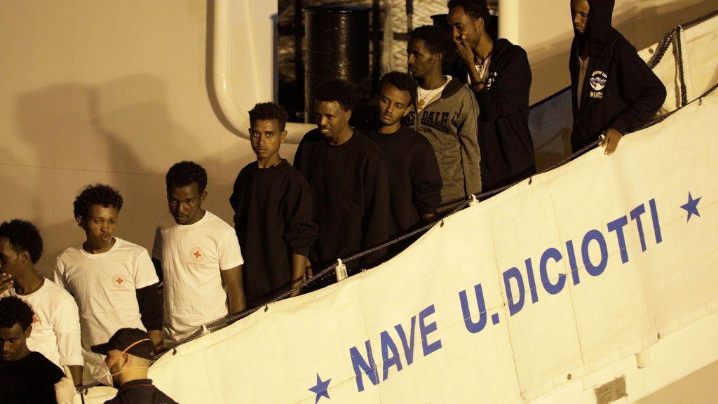 Desembarcan en Italia los 134 inmigrantes restantes a bordo del 'Diciotti'