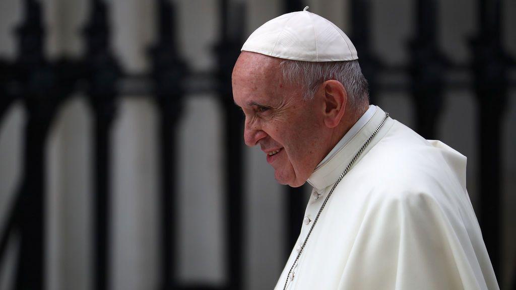 Un ex alto cargo del Vaticano acusa al Papa de conocer los abusos de McCarrick