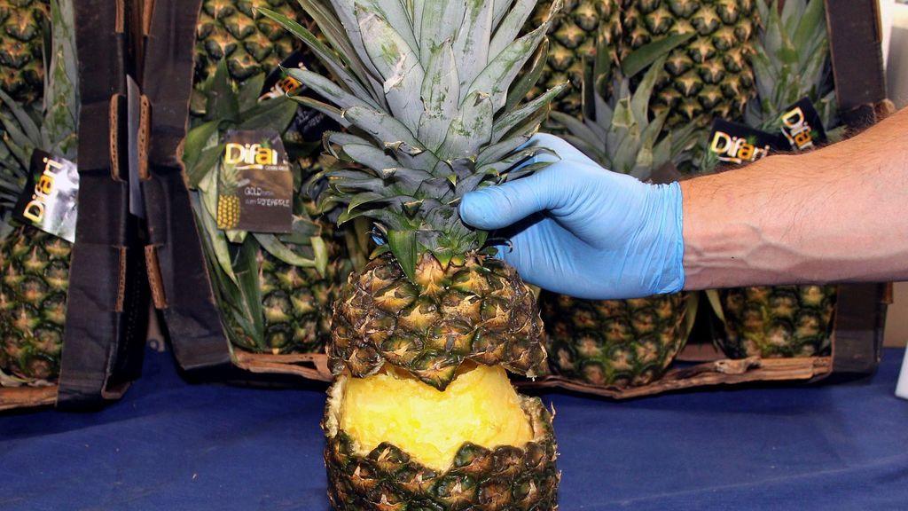 Incautan 67 kilos de cocaína del interior de piñas huecas en Mercamadrid