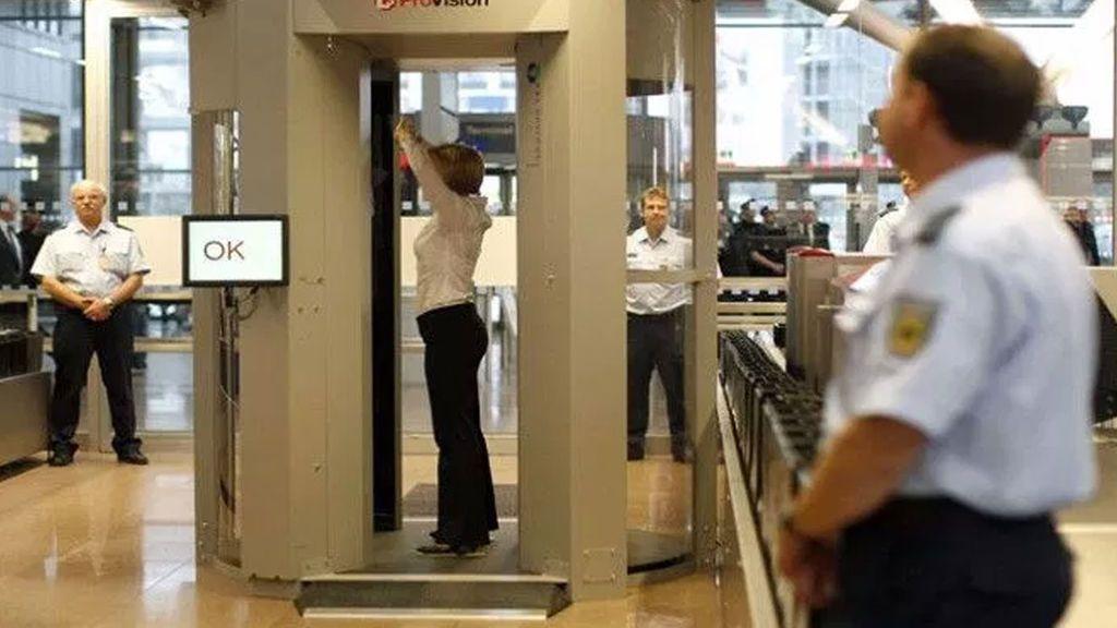 Los escáneres de seguridad son seguros para pacientes con marcapasos y desfibriladores