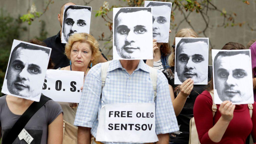 Exigen la liberación del director de cine ucraniano, Oleg Sentsov