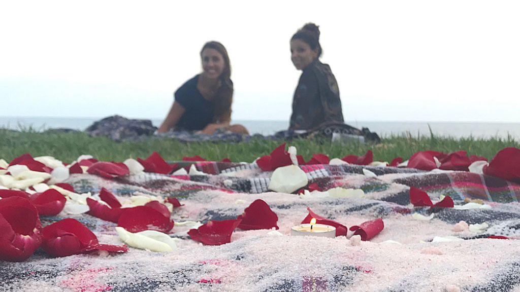 """""""Sin dramas"""", el mensaje de la hermana de Tina Fuentes en su último adiós entre niños, césped y tambores"""