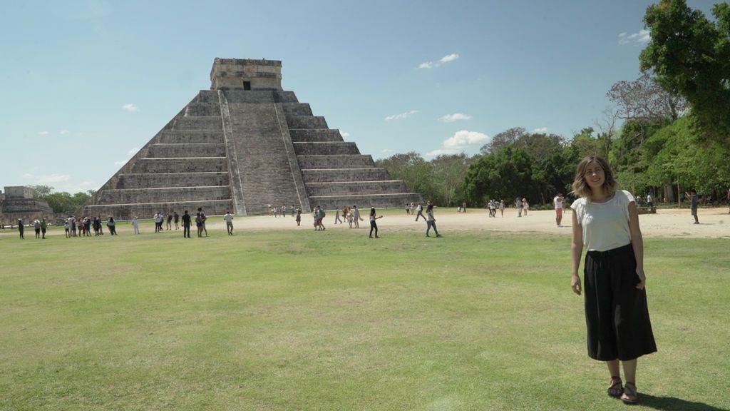 La reportera Inés Paz, en las ruinas de Chichen Itzá, en la península de Yucatán (México).