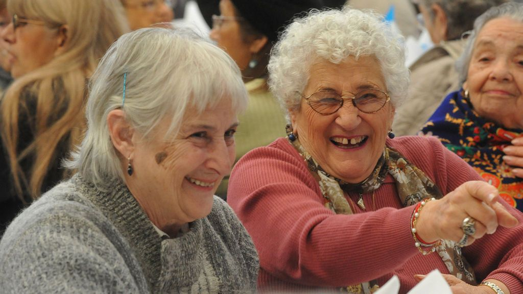 Las personas mayores felices tienen un 19% menos de probabilidad de morir