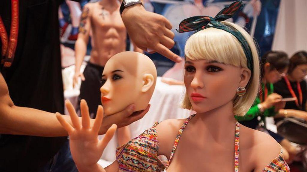 Solo para adultos: Exposición de muñecas sexuales en China