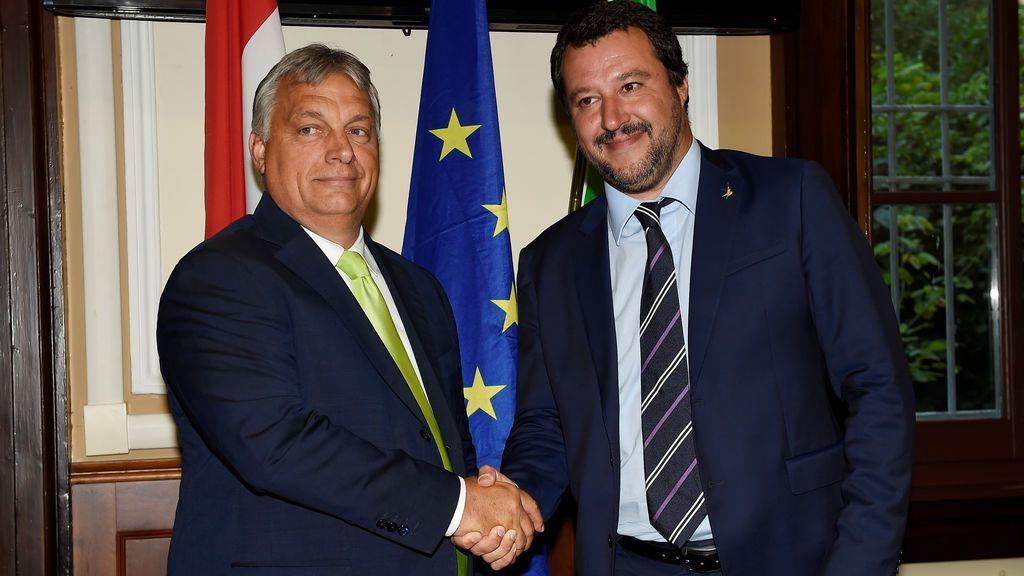 """Orban recibido por el """"héroe"""" Salvini para hacer frente común a la inmigración ilegal"""