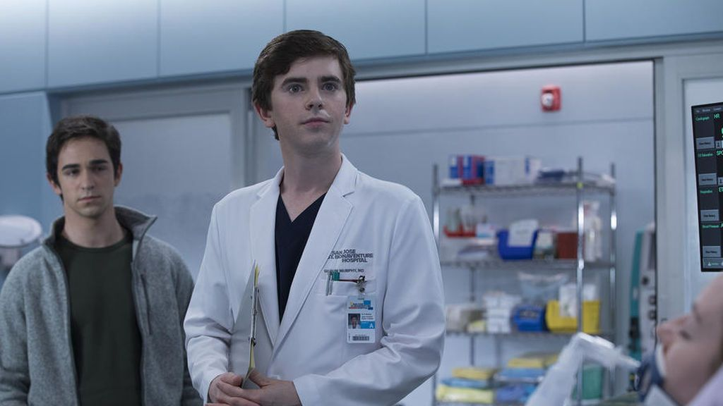 El doctor Shaun Murphy (Freddie Highmore), en el capítulo 'Manzana' de 'The good doctor'.