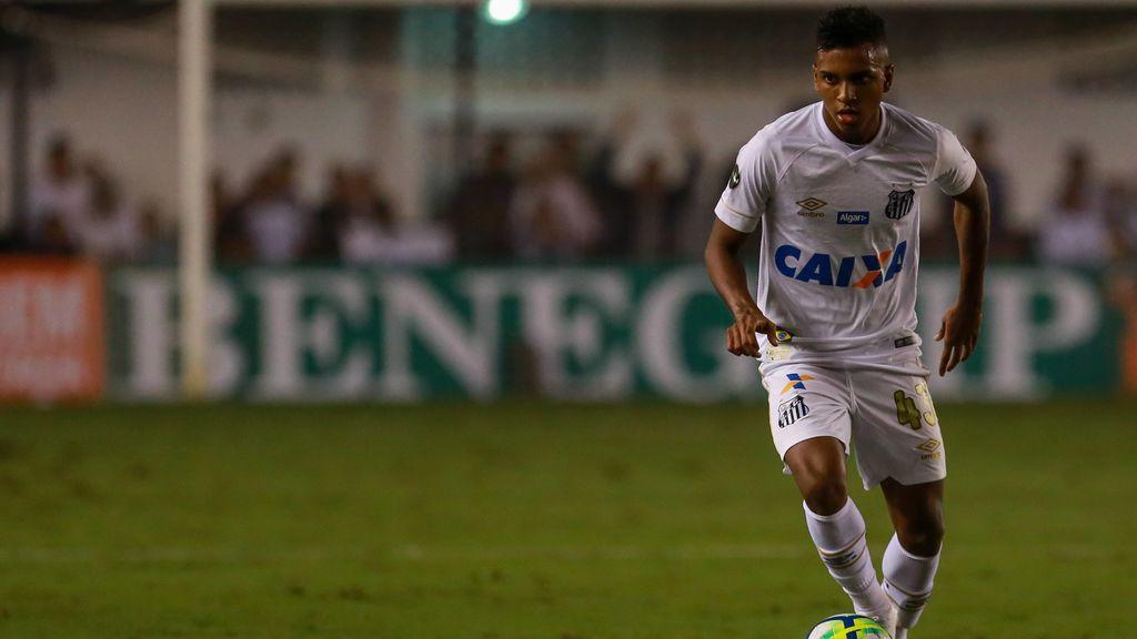 Rodrygo, jugador del Madrid cedido al Santos, llama hija de p*** a la Conmebol y luego se disculpa