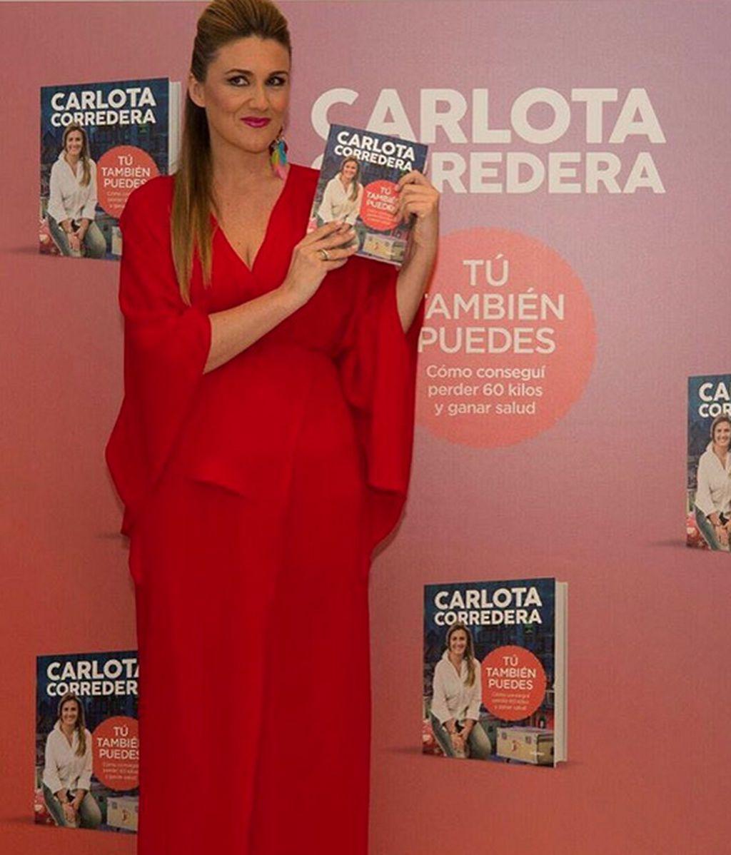 ¡Urgente! Carlota Corredora se encuentra en búsqueda del hombre que le envió un libro