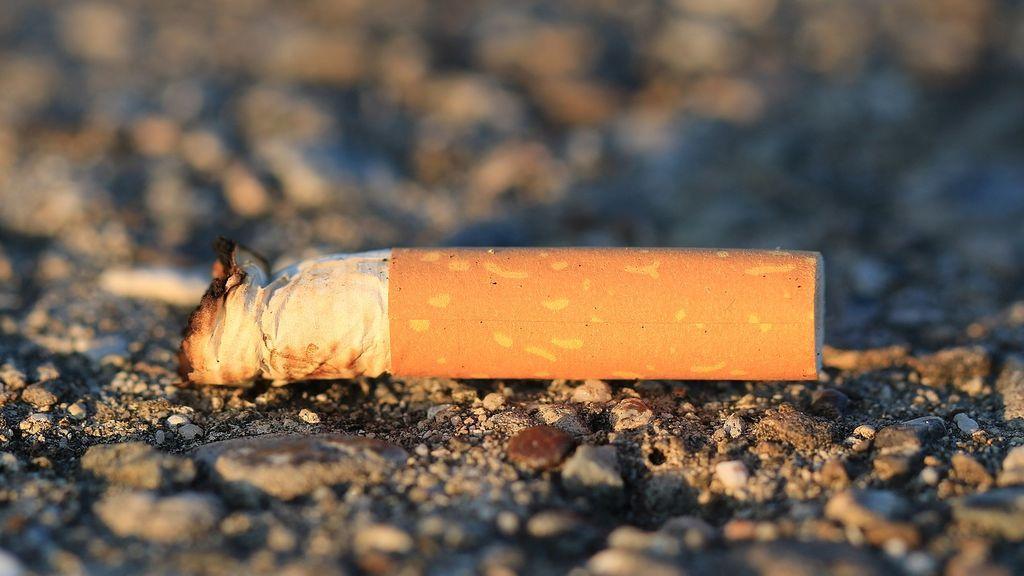 cigarette-1902522_1280