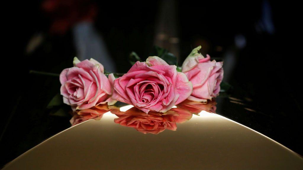 Rosas en el ataúd de Aretha Franklin