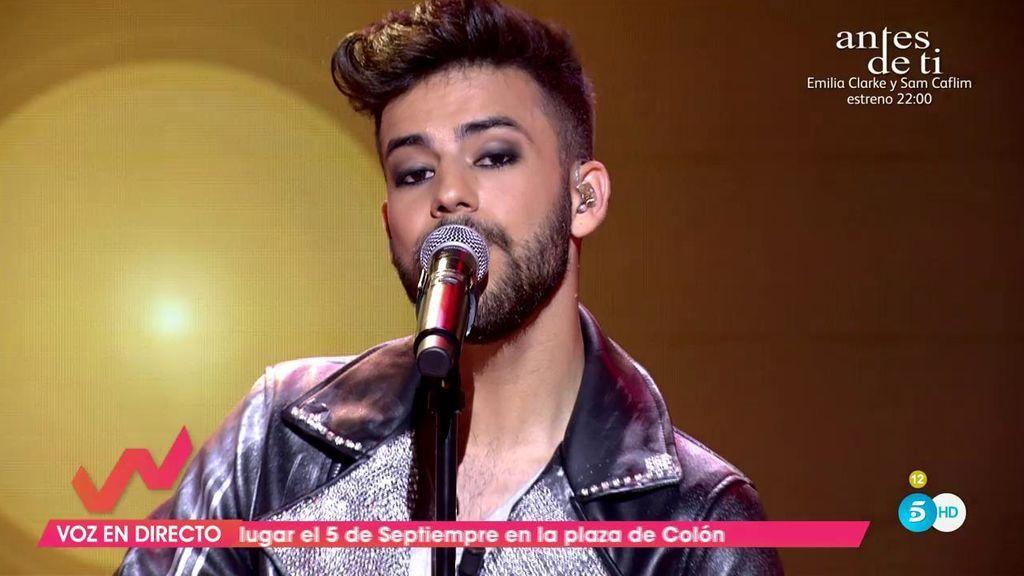Agoney pone en pie a Toñi Moreno cantando en directo su nuevo single 'Quizás'