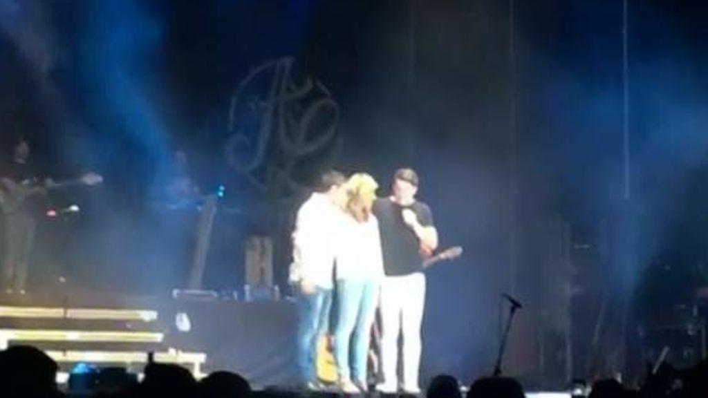 """La madre de Diana Quer, en un concierto: """"Ojalá en España tuviéramos muchos Andy y Lucas"""""""