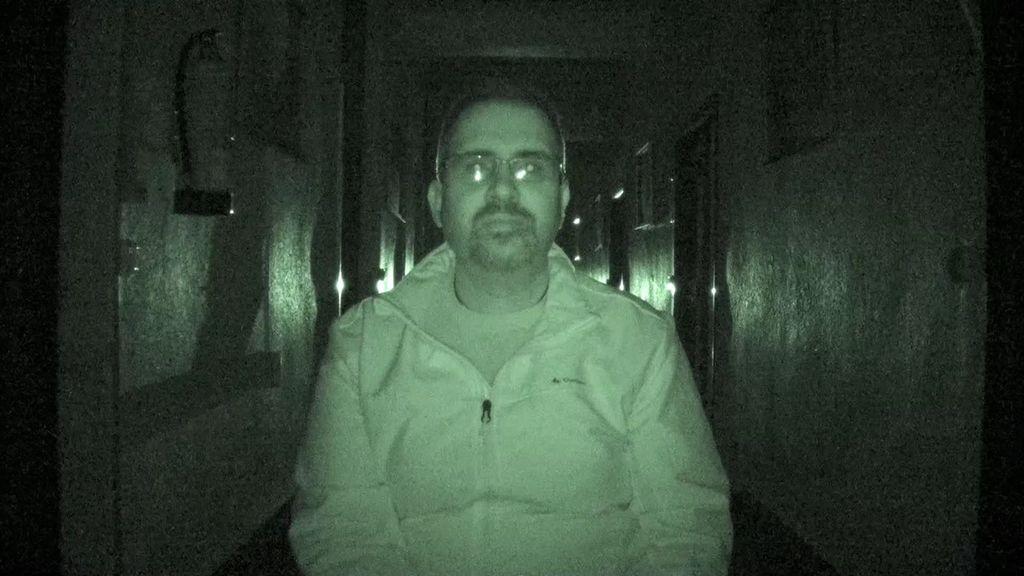 """'Cuarto Milenio' experimenta los fenómenos paranormales del Refugio Militar de Cerler: """"Escucho pasos, voces y golpes tras de mi"""""""