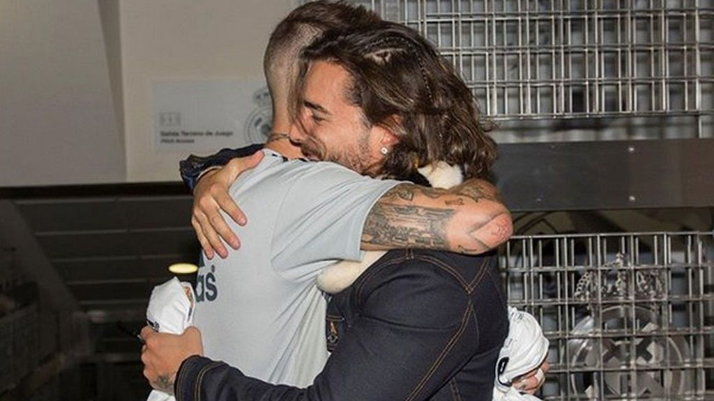 Maluma cumple su sueño madridista gracias a Sergio Ramos