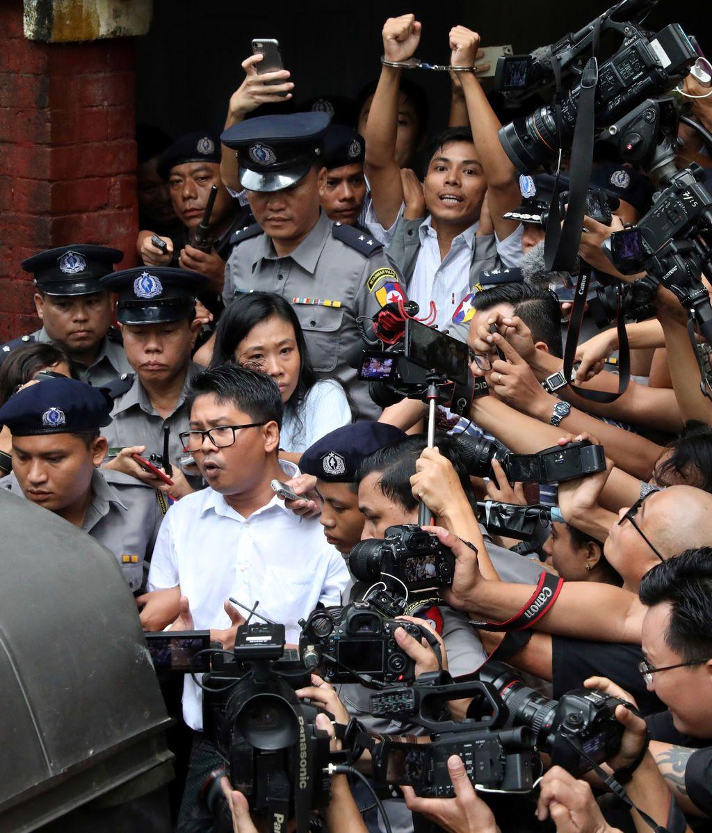 Siete años de cárcel para los periodistas detenidos
