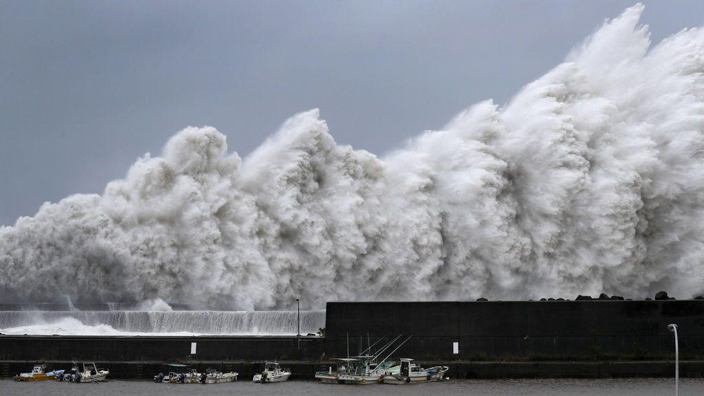 El oeste de Japón, sumergido por el paso de Jebi