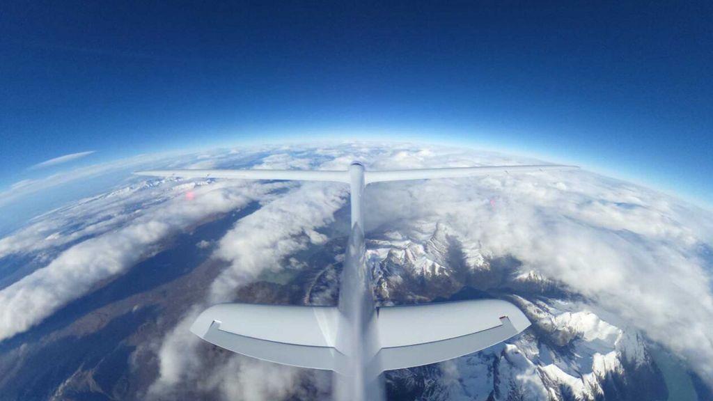 El Perlan II bate el récord del vuelo humano con mayor altitud