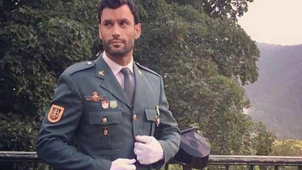 El guardia civil más guapo del cuerpo, como vino al mundo