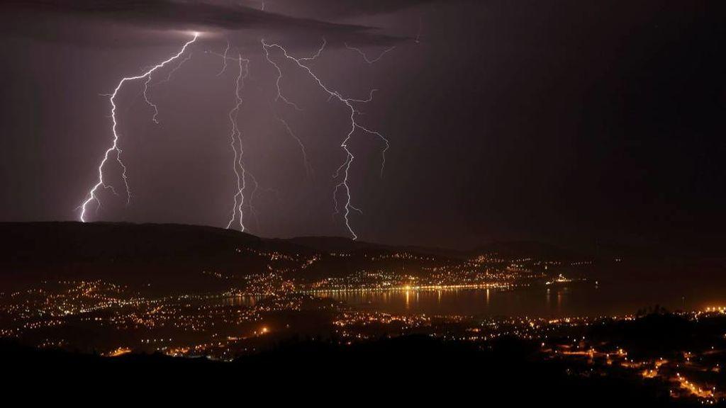 Agosto bate el récord de rayos en lo que va de siglo en España