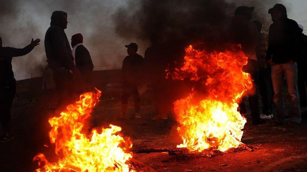 Fuertes protestas en Sudáfrica