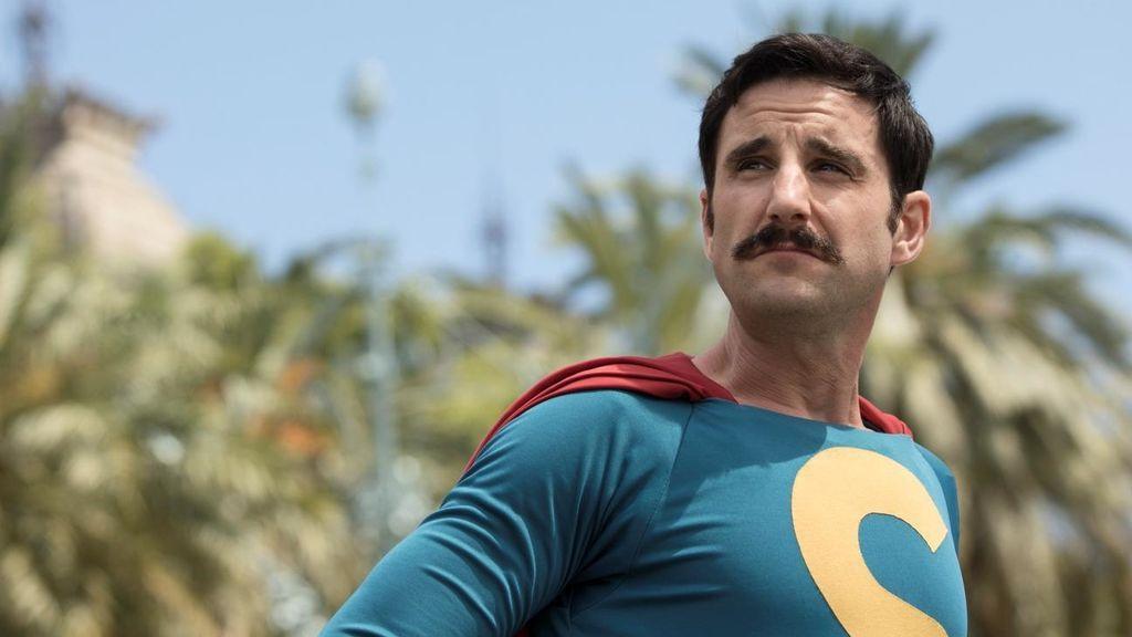 Dani Rovira es 'Superlópez', el antihéroe de la película producida por Telecinco Cinema que llega a los cines el 23 de noviembre.